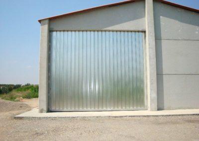 Puerta corredera de acero para nave agricola en Lleida