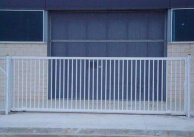 Puerta corredera motorizada