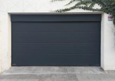 Puerta seccional de garaje en lleida
